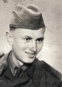 Vincenc Novák na vojně v roce 1952