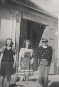 Vincenc Novák se sestrou a tetou