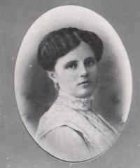 Matka Jaroslava Pánka Božena rozená Klípová, cca 1920