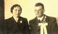 Svatební foto Viktorie Matulové a Franze Strobla (1940)