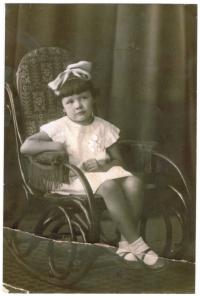 Nadja Viktorovska, třicátá léta 20. století