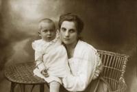 Otec Hany Hamplové Zbyšek Hovorka se svou polskou maminkou Matyldou Wernstein