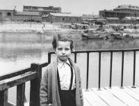 Sedmiletá Hana Hamplová v Tchien-ťin (1958)