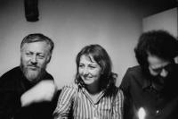Hana Hamplová se svým pedagogem Jánem Šmokem (vlevo) a spolužákem Pavlem Márou v roce 1971.