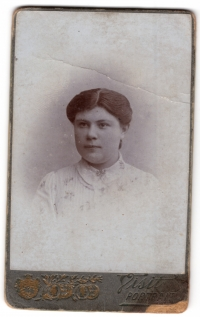 Olena Reinhard - an aunt and foster mother