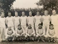 Mužstvo Červená hviezda (Igor v hornom rade tretí sprava)