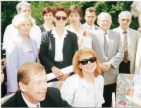 Představitelé chorvatských Čechů v Záhřebu s prezidentem Václavem Havlem a jeho ženou v roce 2000