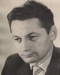 Jindřich Káňa, 45 let, období zaměstnání na pozici vedoucího účetního v MEZu ve Frenštátě pod Radhoštěm