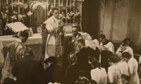Primice 4. června 1944, Karel Exner při bohoslužbě