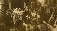 Primice 4. června 1944, Karel Exner uvnitř kostela ve Studenci