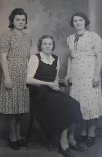 Sestry Ludmila, Anežka a Cecílie Exnerovy, cca 1930
