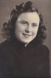 Anna Smržová, 1947