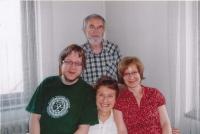 Marta a Pavel Holekovi se svými dětmi, Matoušem a Noemi