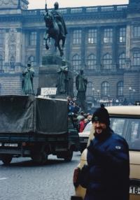 Miloš na Václavském náměstí, listopad 1989