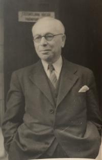 Dědeček Oskar Kosta