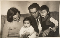 Rodina Kostova, r. 1952