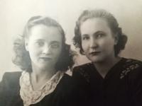 Halyna Ustymivna Hordienko s kamarádkou