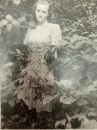 Halyna Ustymivna Hordienko ve Vinnici, 1952