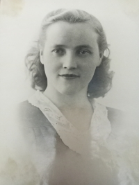 Halyna Ustymivna Hordienko, 1953
