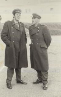Ladislav Jakub v roce 1970, vlevo