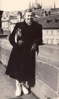 Edita Reinoldová, mládí