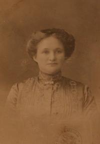 Maminka Josefa Mišáka, Františka