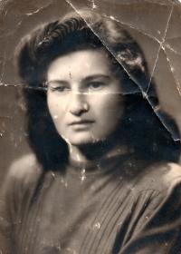 Marie Henzlová kolem roku 1950