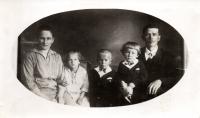 Rodina Švecových ještě před narozením dcery Marie