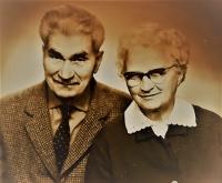 Antonie a Gustav Josef Maláčovi, rodiče pamětníka, asi 1970