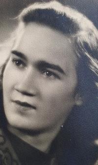 Jiřina Tschepová, manželka pamětníka, Praha 1946