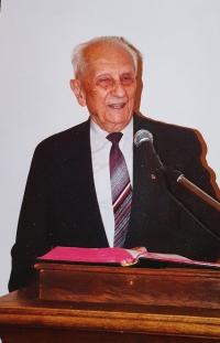 Laický kazatel Vlastislav Maláč na kazatelně Ústředí církve ECM, Praha 1996