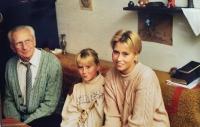 Vlastislav s vnučkami, Praha 1998