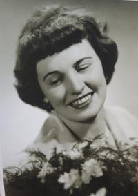 Svatební fotografie Žofie Zlámalové, 1960