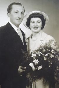 Svatební fotografie manželů Zlámalových, 1960