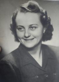 Sestra Žofie Slováčkové, Anna Slováčková, provdaná Seibertová, 1943