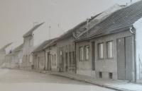 Rodný dům pamětnice v Hložkově ulici v Otrokovicích označený šipkou