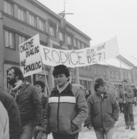 Snímek Jindřicha Součka z generální stávky v Českém Dubu, 27. listopadu 1989