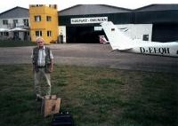 V rakouském městečku Gmunden, kde prodělal výcvik agenta americké MIS
