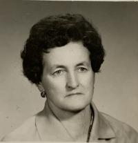 pamätníčka Helena Aková v strednom veku