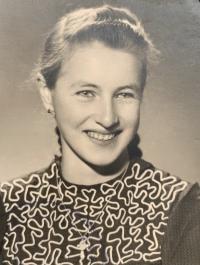 pamätníčka Helena Aková ako mladé dievča