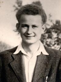Bratr Tomáš Švec, zemřel na konci války při evakuaci koncentračního tábora ve Flossenbürgu