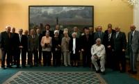 Na společné fotografii s bývalými politickými vězni