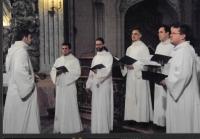 Čestným hostem na Budapešťském jarním festivalu - koncert souboru Schola Gregoriana Pragensis v kostele sv. Michala, Budapešť 2004