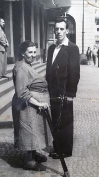František Karel s maminkou