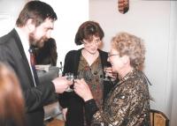S manželkou a Kateřinou Pošovou (vpravo) na maďarském velvyslanectví, Praha 2004
