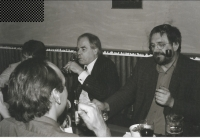 S profesorem na London School of Economics a pražské CEU Györgym Schöpflinem, Praha asi 1994