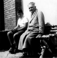Ivan a Jeho otec Rudolf Medek, Praha 1940