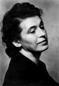 Eva Medková Slavíčková, žena Rudolfa Medka, portrét asi 1930 Fotografoval Josef Sudek