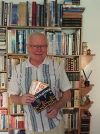 František Vízek s učebnicemi matematiky