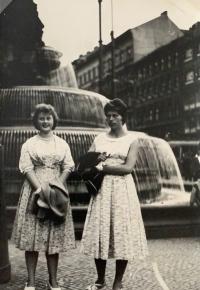 Alena Hudcová v Praze, zájezd na spartakiádu 1960